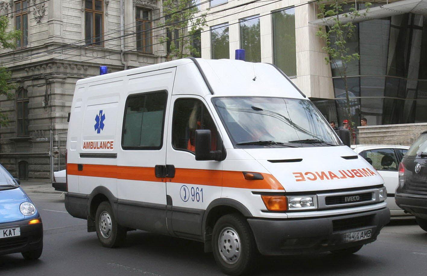 Ambulanța din Vaslui are conturile blocate din cauza rovinietei, deși legea scutește salvările de la plata taxei