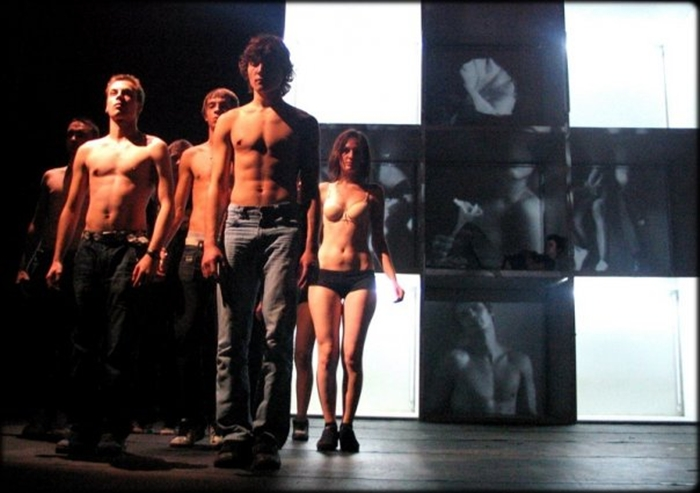 13-teatrul-maria-filotti-braila-spectacol-sala-scandal-director-actorii-trupa