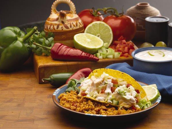 Mâncarea se ieftinește de la 1 iunie întrucât Guvernul reduce TVA la alimente la 9%