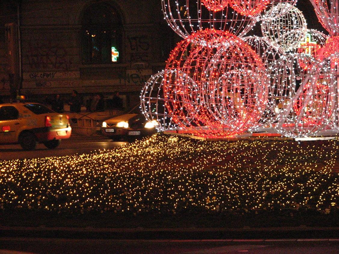 Trei milioane de beculețe vor lumina Bucureștiul de sărbători