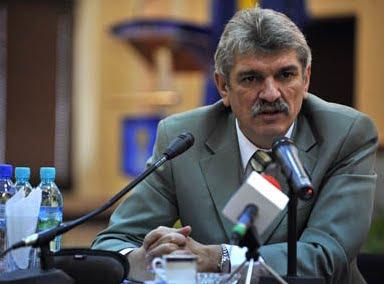 Iohannis l-a concediat pe Generalul Marcel Opriş de la şefia STS