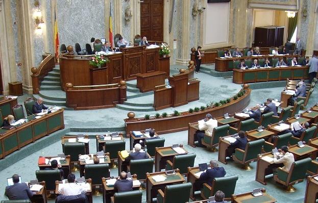 Senatul a revotat ordonanța privind reducerea CAS, în forma propusă de Guvern