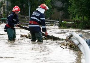 pompieri inundatii suceava