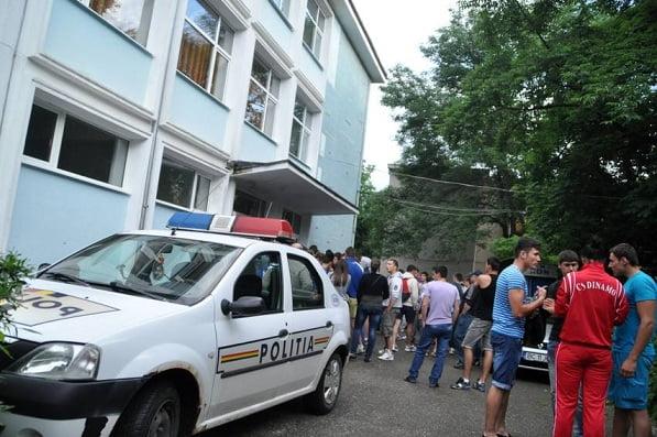 """Profesori anchetați penal pentru fraudă la BAC la Colegiul Tehnic """"Unirea"""" din Ştei din județul Bihor"""