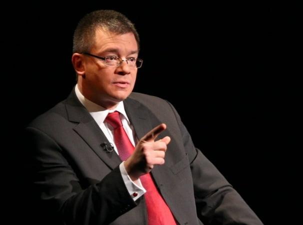 Mihai Răzvan Ungureanu a demisionat din funcția de șef al SIE