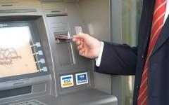 Băncile ar putea fi obligate să afișeze la bancomat, comisioanele percepute