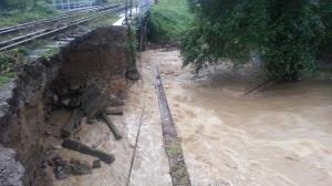 cale ferata distrusa de ploaie