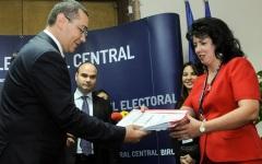 Victor Ponta și-a depus candidatura la Biroul Electoral Central