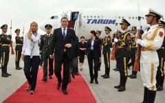Ponta și Ioan Rus se roagă de chinezi să ne facă autostrăzi și trenuri rapide