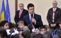 Remus Pricopie obligă elevii din clasa I și a II-a să învețe după manualele vechi