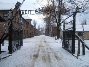 Auschwitz_I_intrare