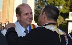 Primarul din Alexandria, Victor Drăgușin, prieten la cataramă cu preotul Nicu Chiriță