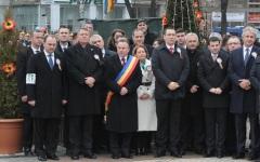 Ponta și Iohnnis s-au prins în horă la Iași de Ziua Micii Uniri