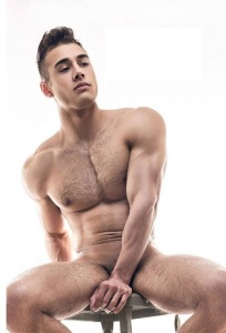 barbat nud
