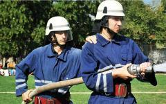 Inspectoratul Pentru Situații de Urgență caută tineri pentru a-i face pompieri salvatori