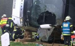 2 români și 9 moldoveni au fost răniți într-un accident de autocar produs în Germania