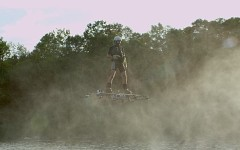 Cătălin Duru a intrat în Cartea Recordurilor pentru că a zburat deasupra apei – VIDEO