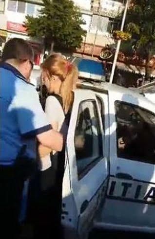 fete bruscate de politie la valcea
