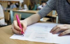 Un profesor riscă închisoare pentru că i-a scris lucrarea unei eleve la BAC