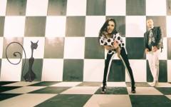 """Phelipe şi Carmen Simionescu dau """"Şah mat"""" muzicii românești – VIDEO"""