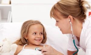 copil la pediatru