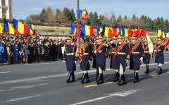 Peste 2600 de militari au defilat la București de Ziua Națională a României