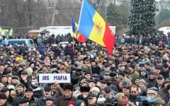 Proteste masive la Chișinău după ce Guvernul Pavel Filip a fost votat de Parlament