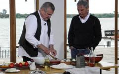 Politică şi delicateţuri cu Sorin Cîrțu și Dinescu la TVR 1