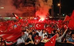 Ergodan suspendă drepturile civile ale cetățenilor în Turcia
