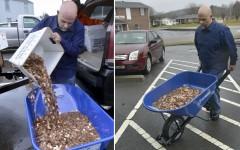 Un american s-a răzbunat crunt pe FISC. Și-a plătit taxa în monede ce cântăresc 726 kilograme