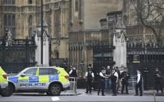 Atentat terorist la Londra lângă Parlament. Cel puțin 12 persoane au fost rănite grav