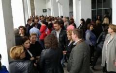 Protestul angajaţilor de la Finanţe continuă două zile la rând