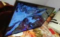 În urma demersurilor exclusivNEWS.ro, Fan Courier a despăgubit clientul care primise un televizor cu ecranul spart