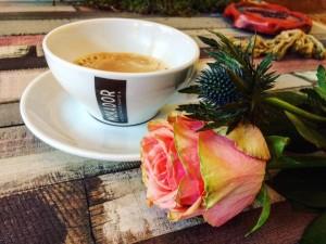 ceasca cafea floare