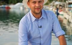 """Cosmin Seleși filmează de trei săptămâni, în Grecia, pentru show-ul """"Aventură cu 4 stele"""""""