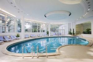 CROWNE PLAZA - piscina
