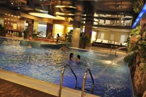 piscina rin grand hotel