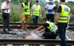 Tragedie uriaşă. O femeie s-a aruncat împreună cu trei copii, în faţa trenului