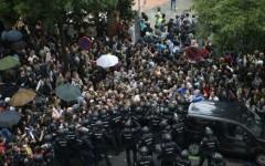 Confruntări violente la Barcelona din cauza referednumului de independenţă a Cataluniei